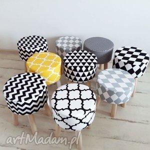 stołek fjerne m biało-czarna koniczyna, puf, stołek, prezent, handemade, oryginalny