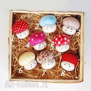 prezent na święta, grzybek bombka, grzybek, grzyb, muchomorek, muchomór