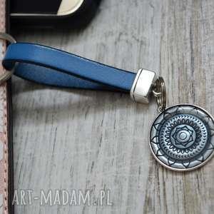 brelok do kluczy MANDALLO blue, brelok-do-kluczy, mandalla, skóra, cyna