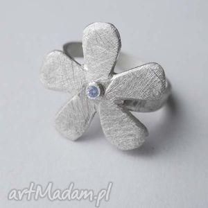 Kwiat pierścionek katarzyna kaminska srebro,