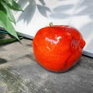 ceramiczne jabłko naturalnej wielkości, jabłko, ceramiczne, dlamamy
