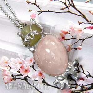 naszyjnik sowa z kwarcem różowym, wisiorek sowa, kamieni, kwarc