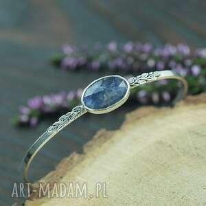 pracownia bellart srebrna bransoletka z listkami i iolitem