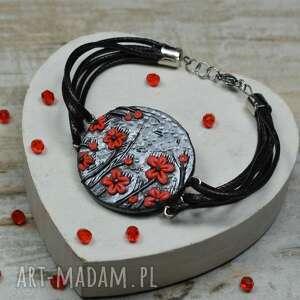 czerwone kwiaty - bransoletka, kwiaty, kwiatki