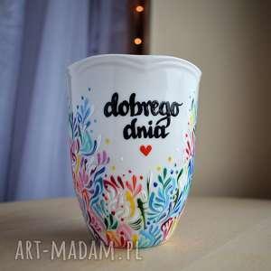 Kubek ręcznie malowany kolorowy optymistyczny kubki ciepliki