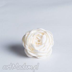 flowering - kwiatowy pierścionek ecru, pierścionek, kwiatowy, satyna