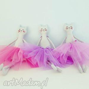 ręcznie wykonane lalki kot baletnica w tiulach