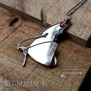 naszyjniki naszyjnik srebrny z motylem i granatem, motyl, duży wisior, granat