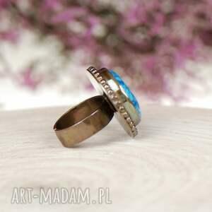 atrakcyjne pierścionki z-niebieskim-agatem a600 srebrny pierścionek