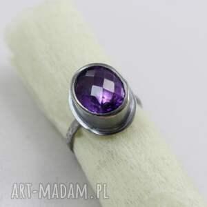 pierścionek ametyst fasetowany i srebro