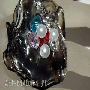 pierścionek pierścionki czarne artystyczny z perełkami