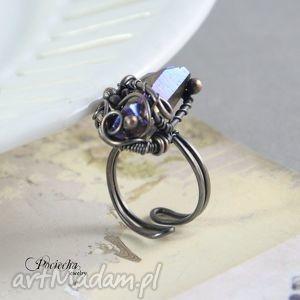 kwarc pierścionki fioletowe aurora - duży pierścionek z kwarcem