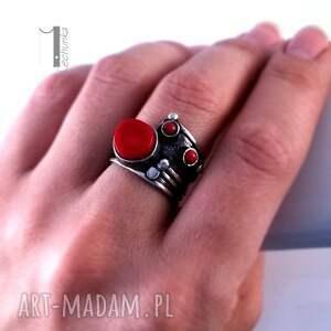 prezent pierścionki biedroneczki są w kropeczki i to