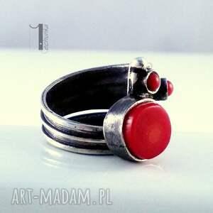 ręczne wykonanie pierścionki prezent biedroneczki są w kropeczki i to