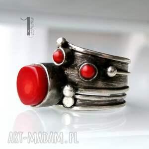 ręczne wykonanie pierścionki srebro biedroneczki są w kropeczki i to
