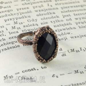niebanalne pierścionki pierścionek black crystal -