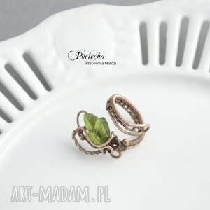 zielone pierścionki pierścionek bluszcz - ze szklanym