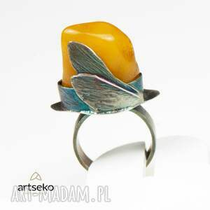 żółte pierścionek bursztyn otulony skrzydłami