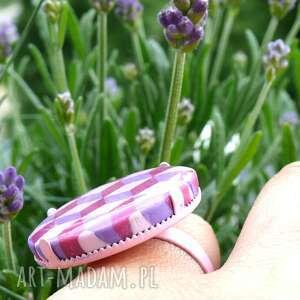 fioletowy cube, pierścionek z polymer clay i
