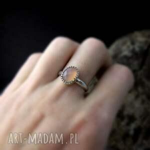 chalcedon delikatny srebrny pierścionek
