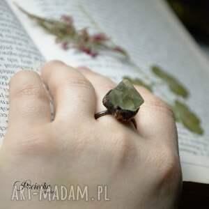 handmade pierścionki pierścionek delta - z fluorytem