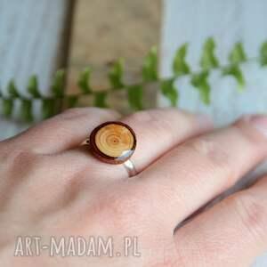 beżowe modrzew drewniany pierścionek