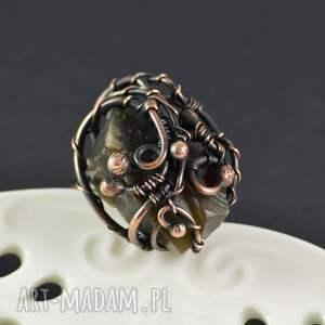 wyjątkowe pierścionki pierścionek earth - z krzemieniem