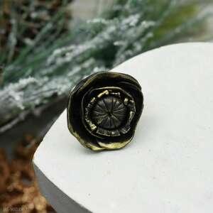 czarne duży pierścionek elegancki czarny