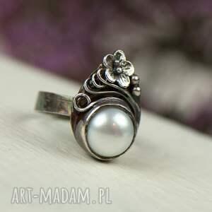 frapujące ślubny pierścionek elegancki srebrny