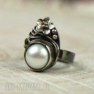 frapujące pierścionek srebrny elegancki