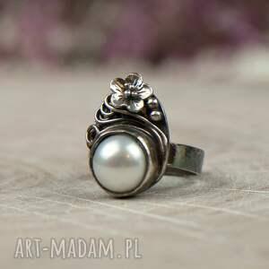 pierścionek srebrny białe elegancki