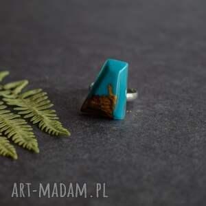 brązowe drewno żywica geometryczny pierścionek z drewna