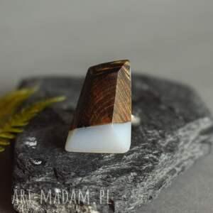 pierścionek dla niej beżowe geometryczny z drewna