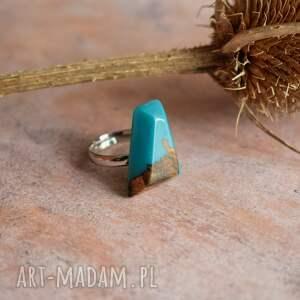 gustowne turkusowy pierścionek geometryczny z drewna