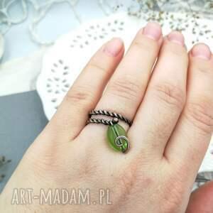 pierścionek spiralny green leaf
