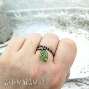 niekonwencjonalne pierścionek spiralny uroczy z miedzi i szklanego