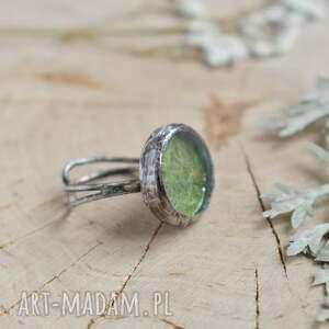 trendy pierścionek regulowa green - z prawdziwym