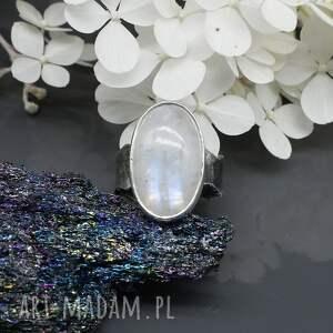 białe pierścionek kamień księżycowy