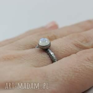 pierścionki srebro kamień księżycowy i