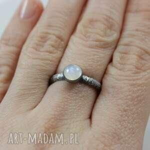 hand-made pierścionki srebro kamień księżycowy i
