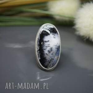czarne klasyczna elegancja - pierścionek
