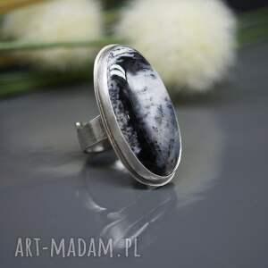 pierścionek klasyczna elegancja