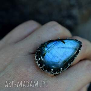 awangardowe pierścionki pierścień królewski z labradorytem