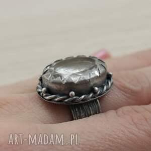 szare pierścionki kryształ-górski kryształ górski i srebro - okazały