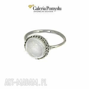 srebro pierścionek wykonany ze srebra 925