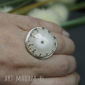 srebrny kwarc solarny w koronie