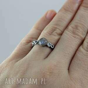 labradoryt pierścionki niebieskie i srebro - delikatny