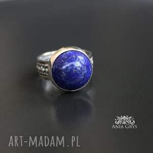 trendy lapis lazuli w srebrnych objęciach