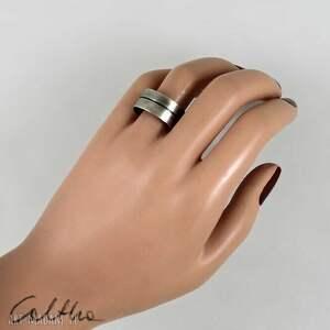 niebanalne pierścinek linia - metalowa obrączka (rozm