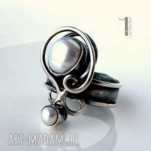 urokliwe pierścionki metaloplastka lucanus i - srebrny pierścionek z